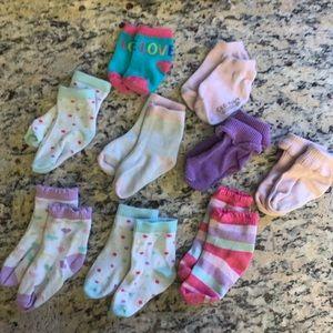 Toddler girls socks 9 pair - GUC pastels